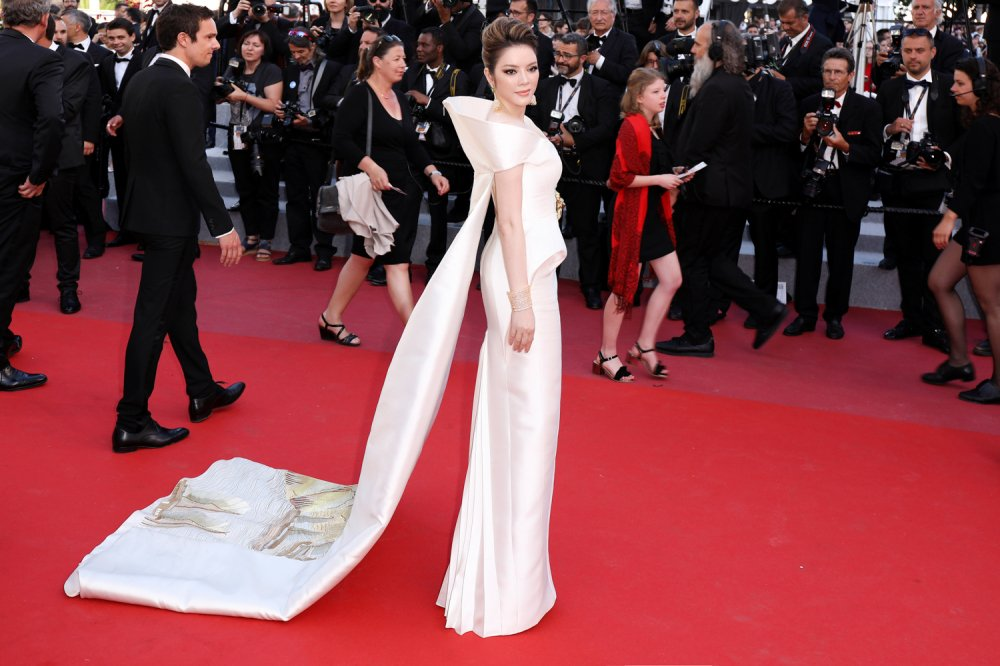 Ly Nha Ky mang vinh Ha Long len tham do Cannes 2018 hinh anh 2