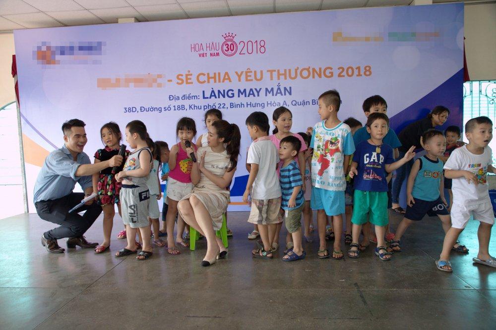 Ban ron lam giam khao 'Hoa hau Viet Nam 2018', Do My Linh van tat bat di tu thien hinh anh 4