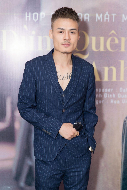 'Hien tuong mang' Hoa Vinh tam ngung di hat vi qua dat show hinh anh 2
