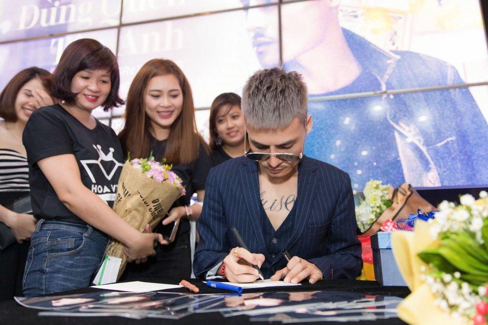 'Hien tuong mang' Hoa Vinh tam ngung di hat vi qua dat show hinh anh 5