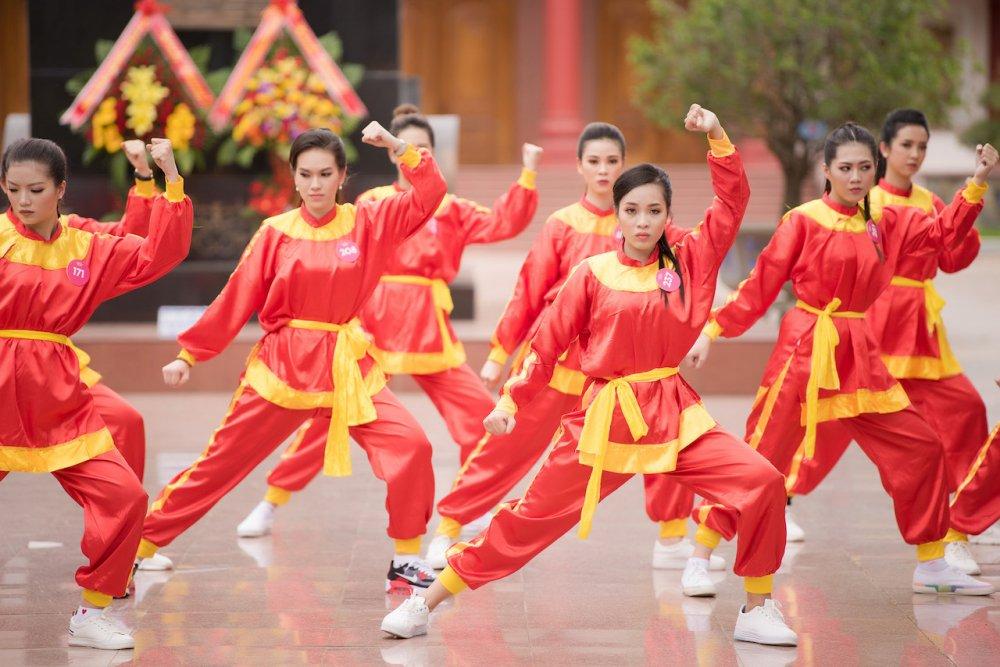 Top 30 thi sinh Hoa hau Viet Nam 2018 di quyen tren dat vo Binh Dinh hinh anh 6