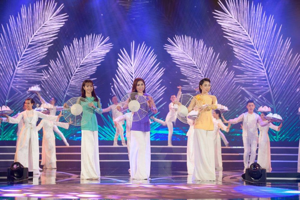 Lo dien 19 thi sinh dau tien buoc vao chung ket 'Hoa hau Viet Nam 2018' hinh anh 5