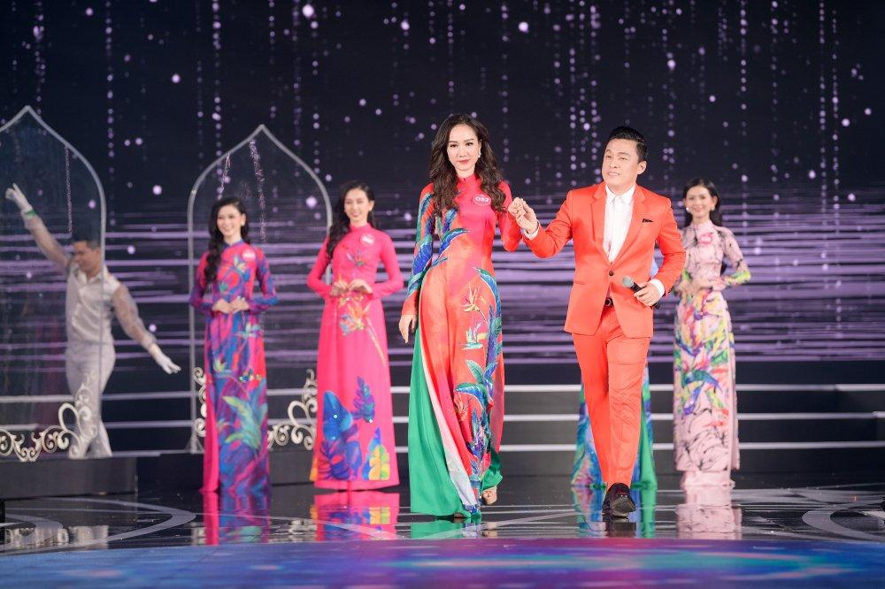 Lo dien 19 thi sinh dau tien buoc vao chung ket 'Hoa hau Viet Nam 2018' hinh anh 9