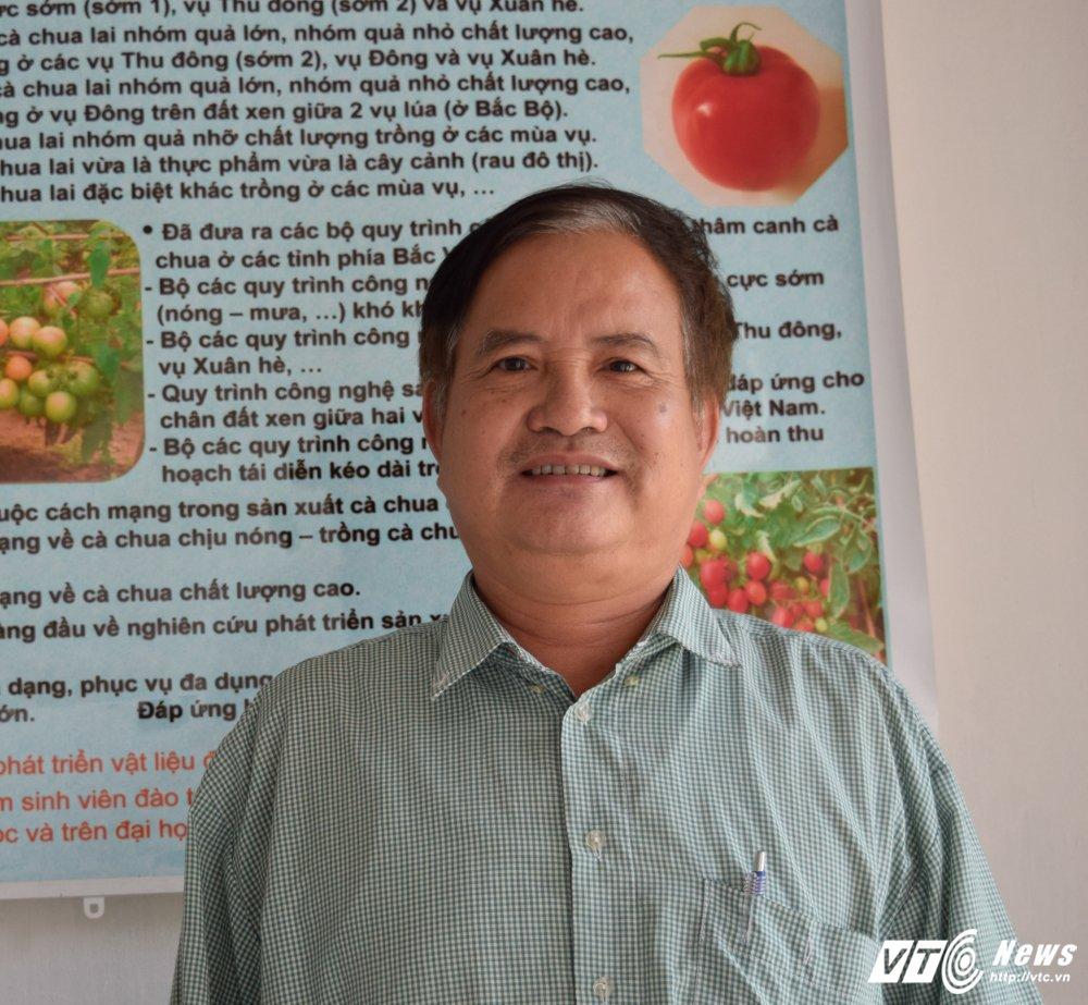Nha khoa hoc danh hon 30 nam tam huyet voi cay ca chua Viet Nam hinh anh 1