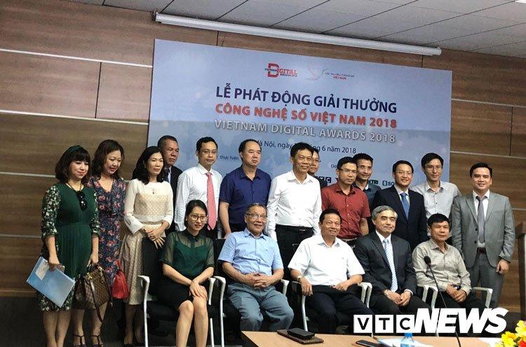 Phat dong Chuong trinh binh chon va trao tang Giai thuong Cong nghe so Viet Nam hinh anh 1