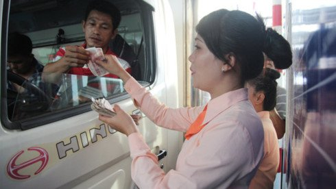 Lum xum BOT, Thu truong GTVT Nguyen Ngoc Dong: 'Vi ta chua chung minh duoc su minh bach' hinh anh 2