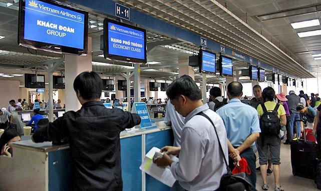 Dong loat mo ban ve may bay Tet: Dat som tranh mua gia dat hinh anh 1