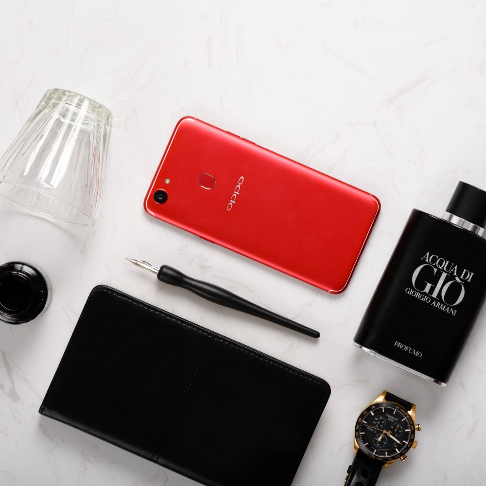 OPPO chinh thuc ban ra F5 phien ban 6GB mau do hinh anh 1
