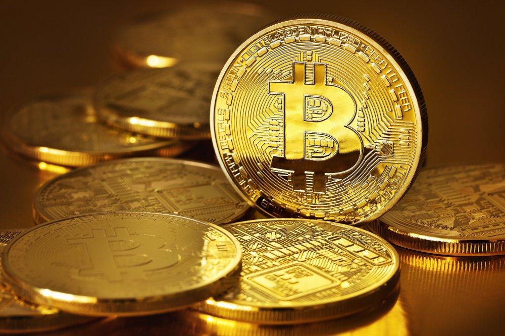 Chu tich SSI: 'Bitcoin dang nhu cuc than nong, ai cam cuoi cung se chet theo' hinh anh 1