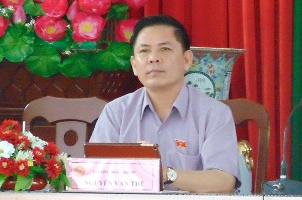 Bo truong GTVT Nguyen Van The lan dau tiep cong dan: Nong BOT? hinh anh 1
