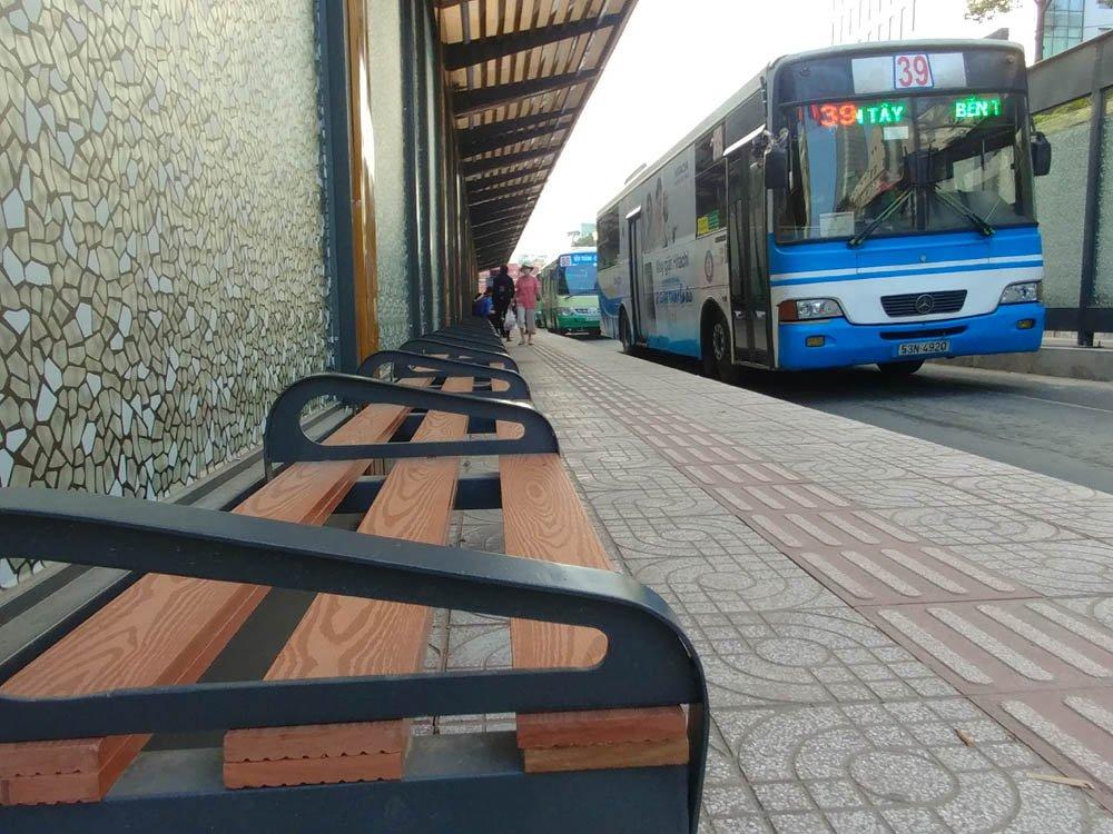 Tram xe buyt 8,5 ty dong sang chanh nhat Sai Gon co gi? hinh anh 2
