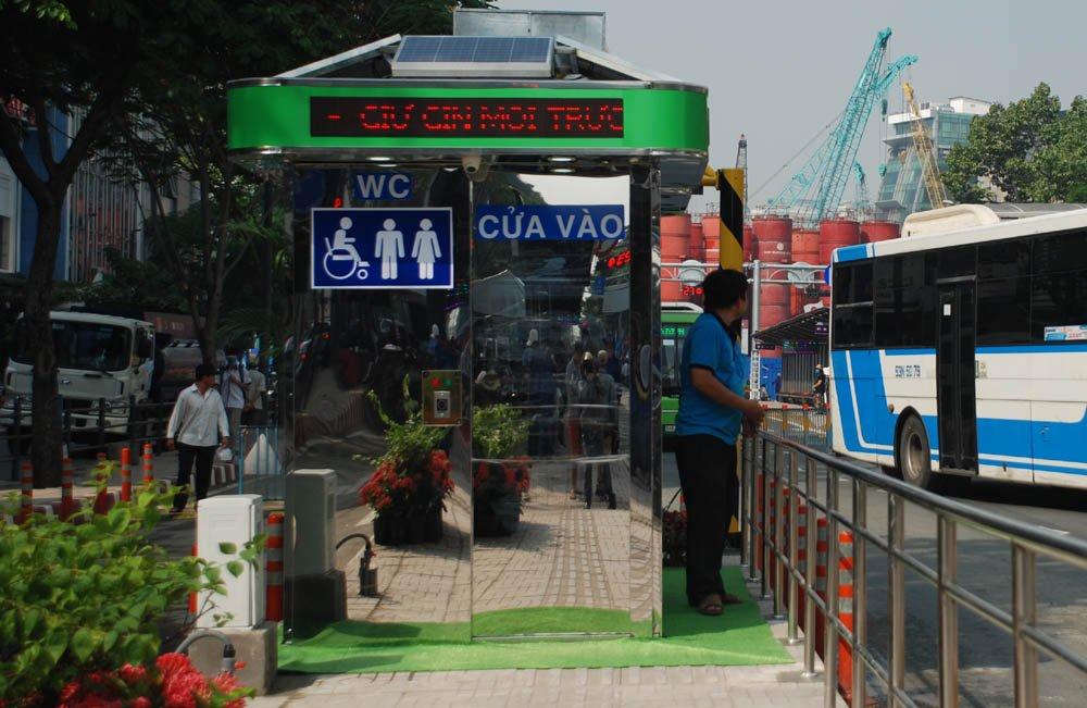 Tram xe buyt 8,5 ty dong sang chanh nhat Sai Gon co gi? hinh anh 6