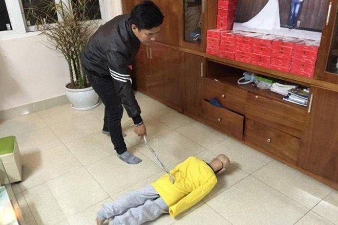 5 vu bao hanh tre em rung dong trong nam 2017 hinh anh 1