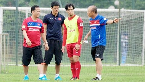 HLV Park Hang Seo tiet lo thuc don nang the luc U23 Viet Nam hinh anh 1