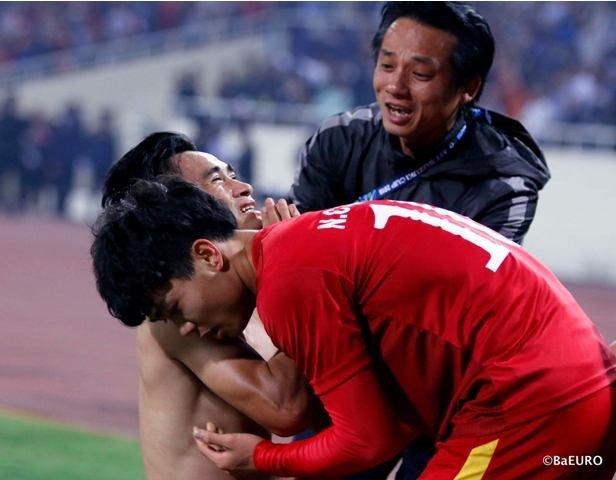 Bac si doi tuyen U23 Viet Nam lan dau tiet lo hinh anh cham soc cac 'cau thu vang' hinh anh 5