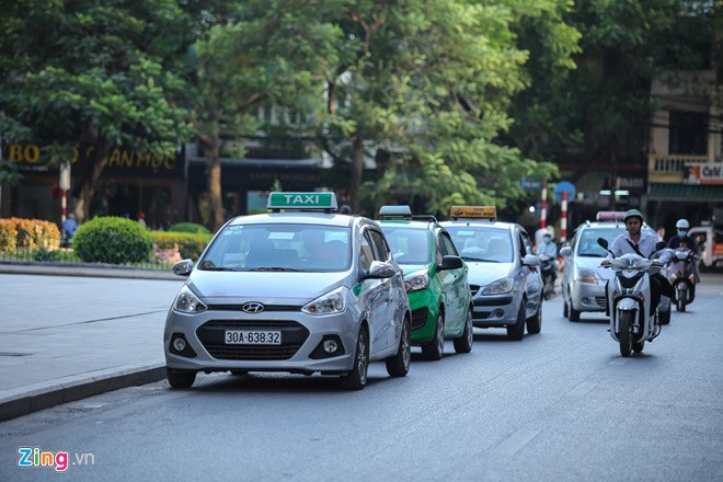 Taxi het gia 150.000 dong cho 3 km, shipper 'chanh' khong nhan khach hinh anh 1