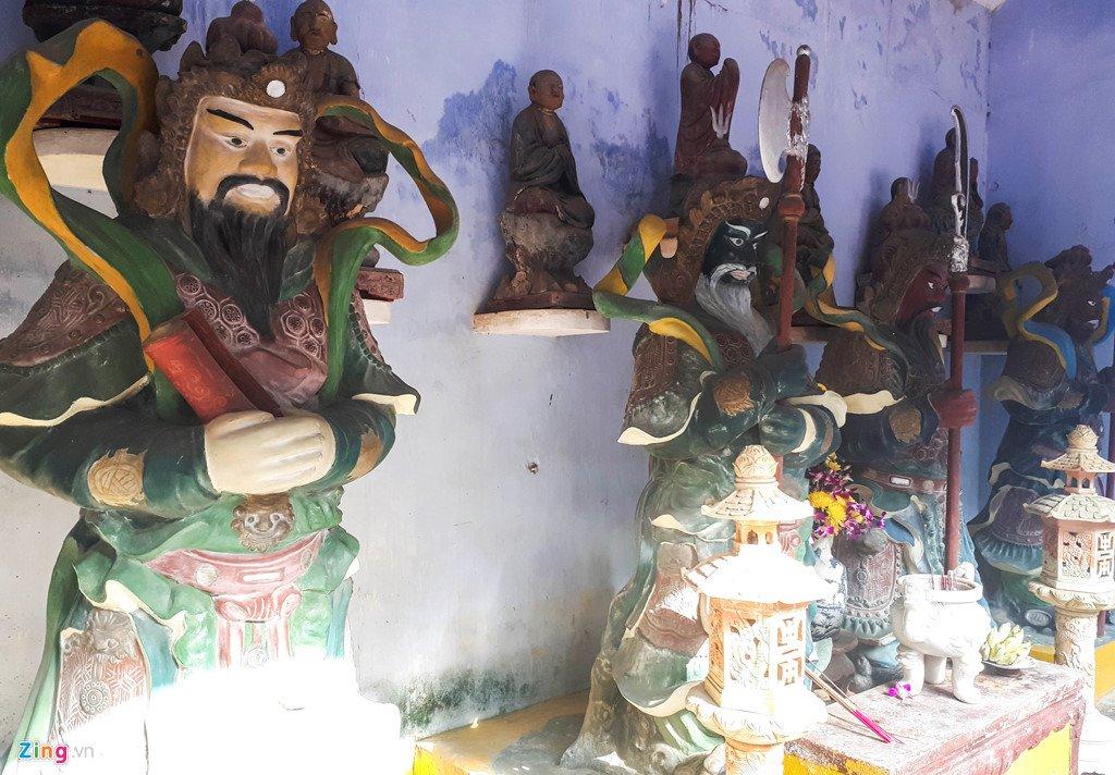 Kham pha ngoi chua co buc tranh tuong 9 con rong lon nhat Viet Nam hinh anh 4