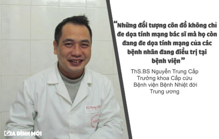 Ngay Thay thuoc Viet Nam 27/2: Nghe y co 'don doc' truoc nhung cuoc tan cong? hinh anh 3