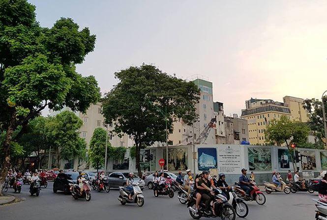Lo 'dat vang' gan Ho Guom duoc Tan Hoang Minh chuyen nhuong hinh anh 1