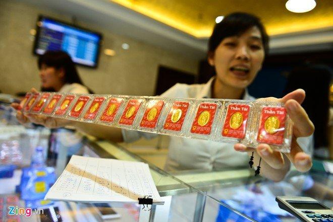 Khach to mat 3 luong vang: Eximbank tra het vang nhung quen doi so? hinh anh 1