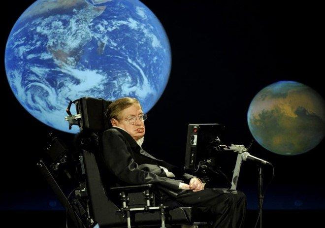55 nam chong choi benh xo cung teo co cua Stephen Hawking hinh anh 1