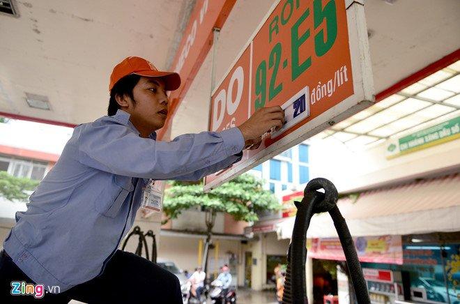 Bo Cong Thuong chua nhan duoc de xuat ban lai xang RON 92 hinh anh 1