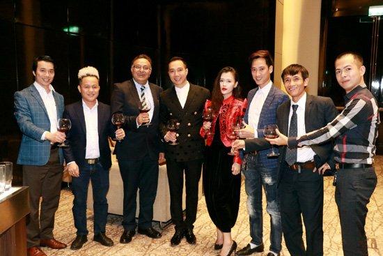 NTK Do Trinh Hoai Nam trao doi cung Ts Alok Bharadwaj hinh anh 5
