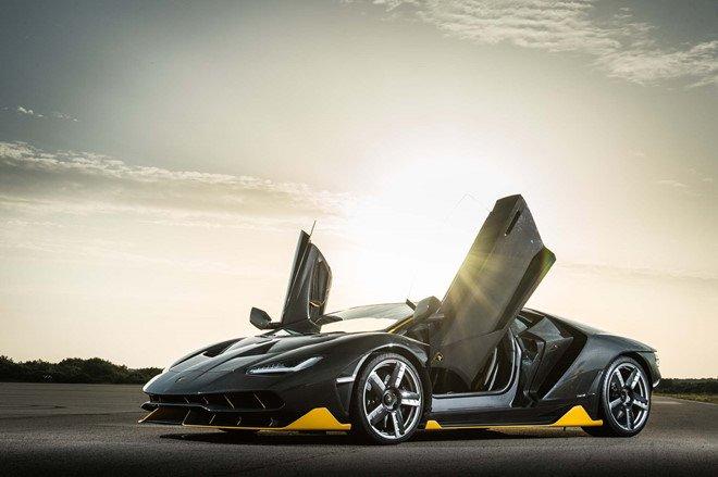 Chi vi mot mieng dan, sieu xe Lamborghini bi trieu hoi hinh anh 2