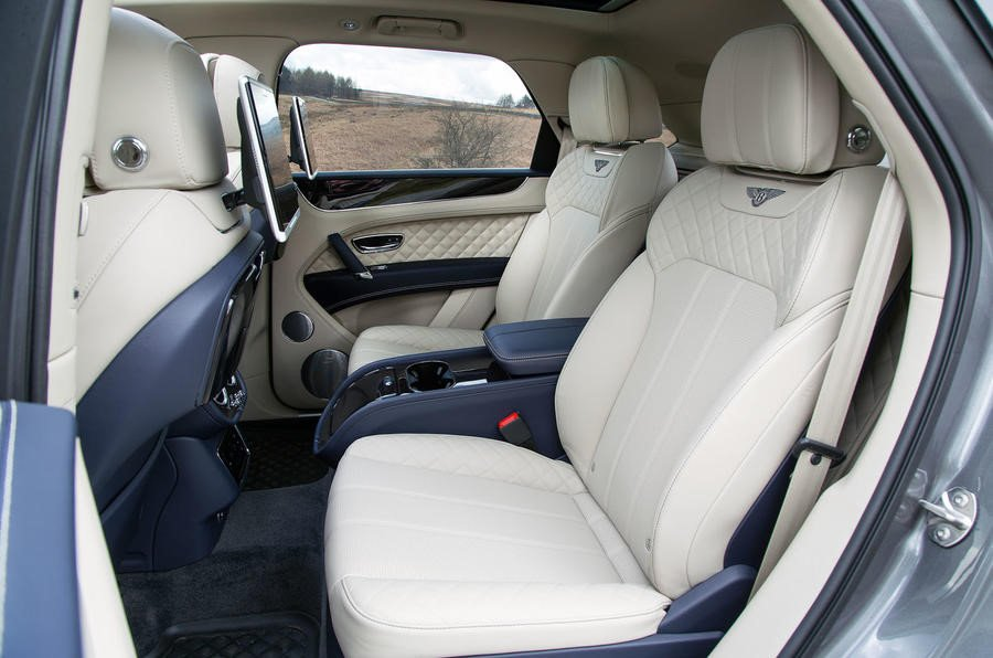 Rolls-Royce Cullinan: Doi thu dang gom cua Bentley Bentayga hinh anh 5