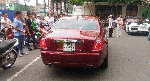 Chiem nguong 'sieu xe' Rolls-Royce Ghost bien ngu quy 1 hon 11 ty dong ve tay 'dai gia' xu Hue hinh anh 9