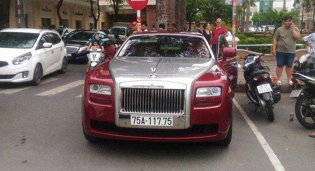 Chiem nguong 'sieu xe' Rolls-Royce Ghost bien ngu quy 1 hon 11 ty dong ve tay 'dai gia' xu Hue hinh anh 8