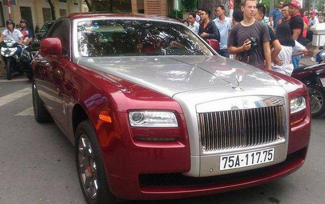 Chiem nguong 'sieu xe' Rolls-Royce Ghost bien ngu quy 1 hon 11 ty dong ve tay 'dai gia' xu Hue hinh anh 2