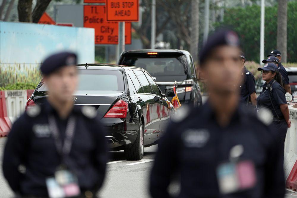 Soi can canh xe 'khung' Mercedes-Benz S600 dac trach cho ong Kim Jong Un tai Singapore hinh anh 3