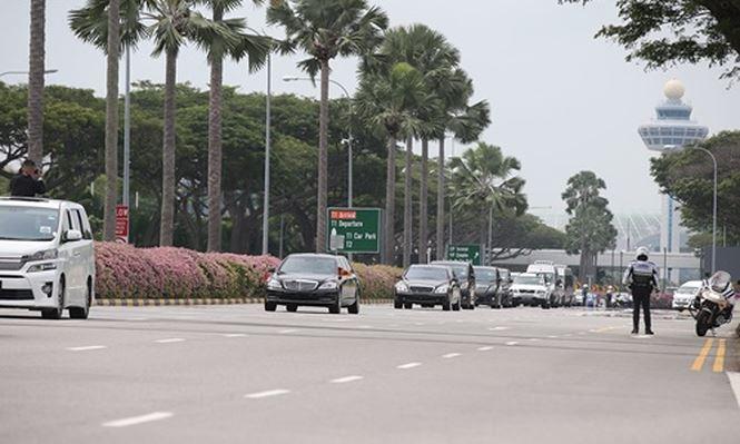 Soi can canh xe 'khung' Mercedes-Benz S600 dac trach cho ong Kim Jong Un tai Singapore hinh anh 4