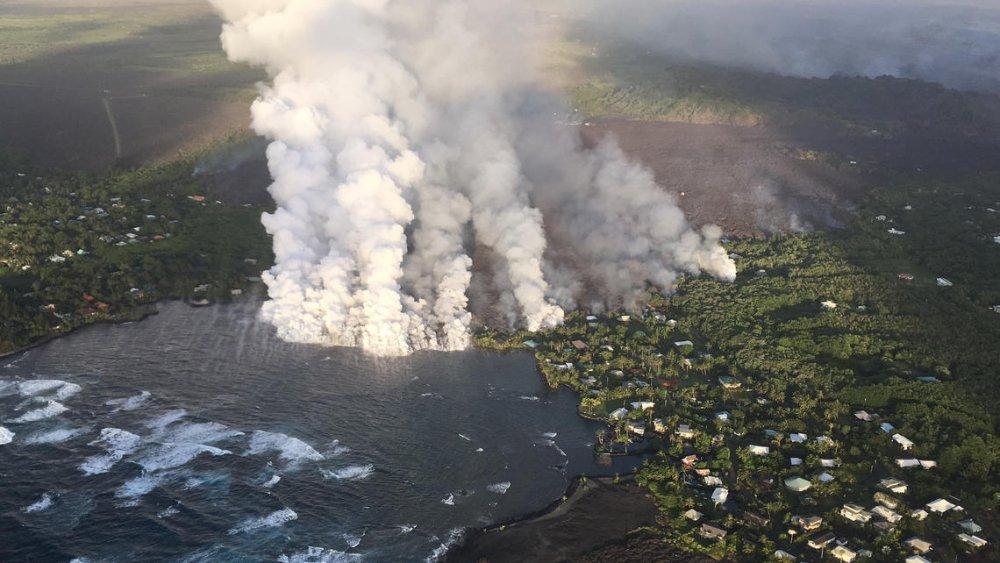 Ho nuoc menh mong lon nhat Hawaii boc hoi can sach sau vai gio: Chuyen khung khiep gi da xay ra? hinh anh 1