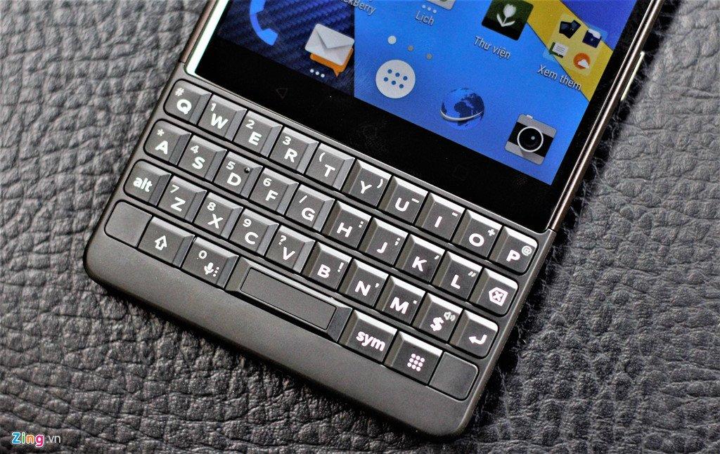 BlackBerry Key2 ve Viet Nam voi gia 17,5 trieu dong hinh anh 5