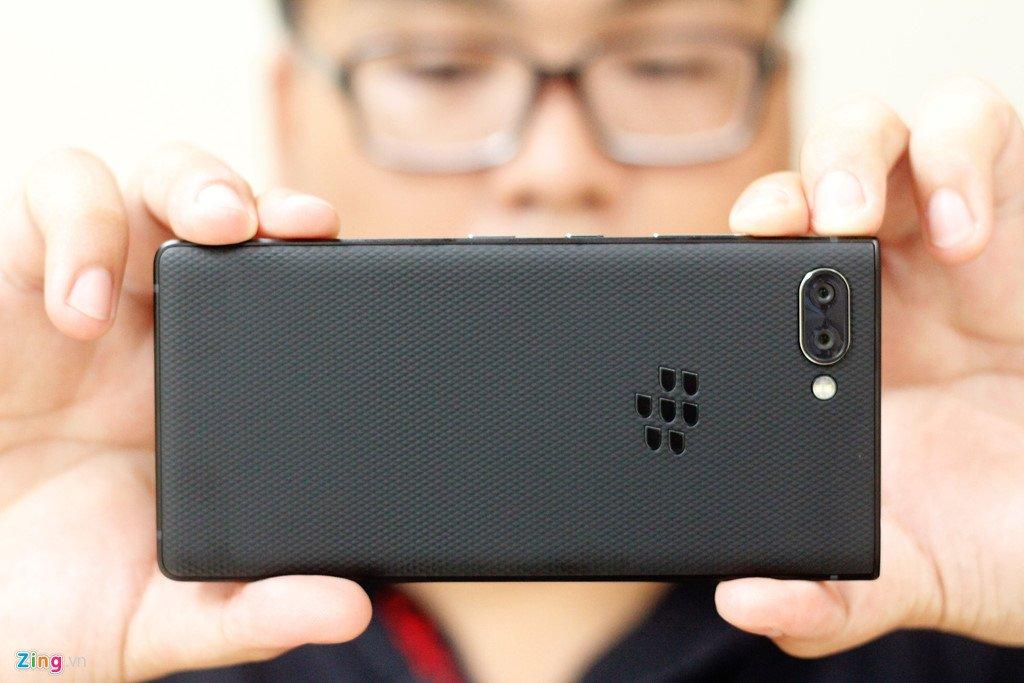BlackBerry Key2 ve Viet Nam voi gia 17,5 trieu dong hinh anh 10