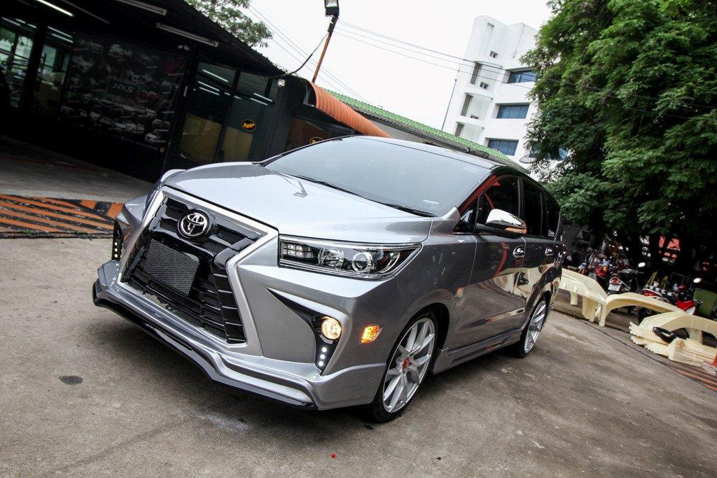 Toyota Innova do phong cach Lexus tai Ha Noi hinh anh 2