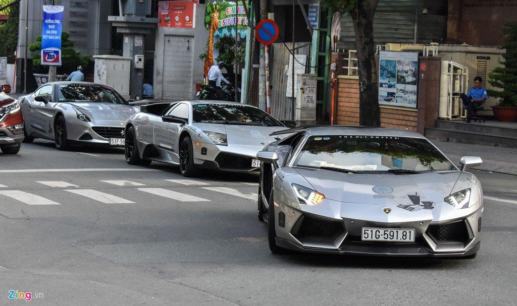 Sieu xe trieu USD cua ong Dang Le Nguyen Vu noi duoi tren pho Sai Gon hinh anh 5