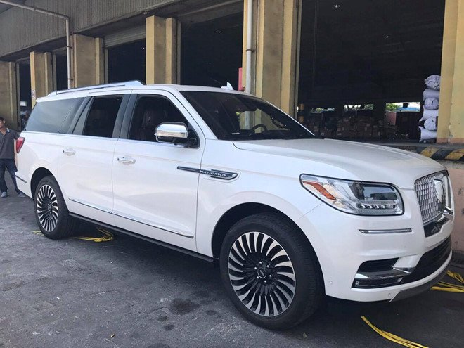 Lincoln Navigator L Black Label 2018 ve Viet Nam, gia hon 9 ty dong hinh anh 1