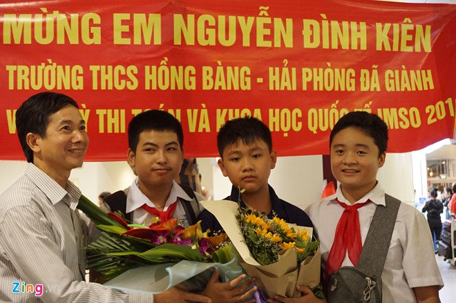 Nam sinh gianh huy chuong vang Olympic Toan hoc biet doc tu 3 tuoi hinh anh 1