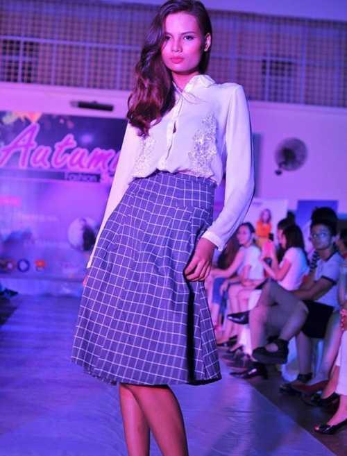 A quan Vietnam's Next top model gop mat trong show dien thoi trang tu thien sinh vien hinh anh 1