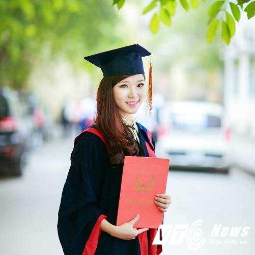 Hoa khoi Nu sinh Viet Nam xinh dep, hat hay, cao nhu sieu mau hinh anh 1