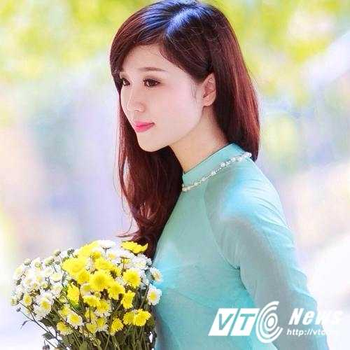 Hoa khoi Nu sinh Viet Nam xinh dep, hat hay, cao nhu sieu mau hinh anh 2