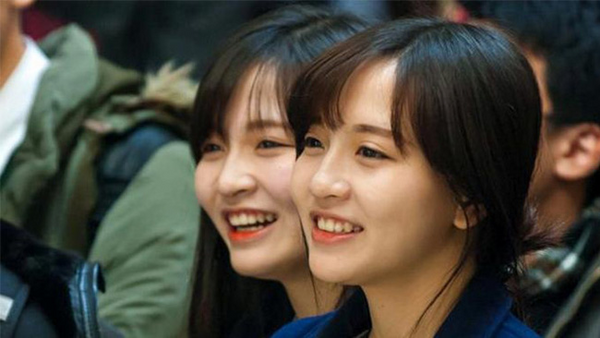 Chi em song sinh 9X xinh dep duoc cap von kinh doanh 300 trieu dong tai Nhat hinh anh 6