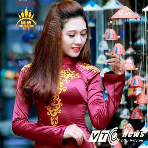 Hoa khoi truong DH Khoa hoc xa hoi Nhan van mo lam nu tiép vien hàng khong hinh anh 10