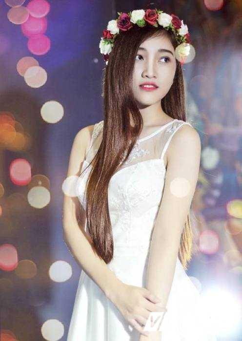 Hot girl Dai hoc Nguyen Tat Thanh xinh dep 'hut hon' dan mang hinh anh 1