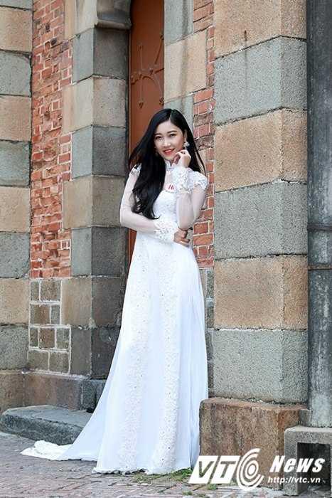 Hot girl Dai hoc Nguyen Tat Thanh xinh dep 'hut hon' dan mang hinh anh 8