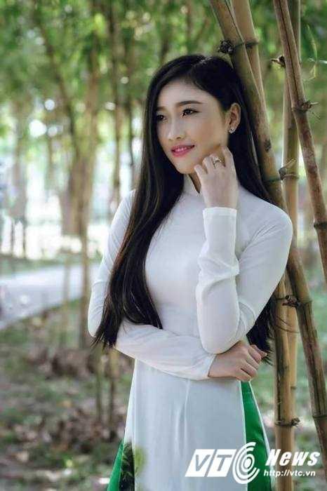 Hot girl Dai hoc Nguyen Tat Thanh xinh dep 'hut hon' dan mang hinh anh 10