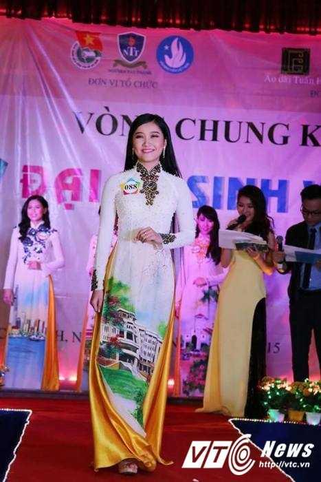 Hot girl Dai hoc Nguyen Tat Thanh xinh dep 'hut hon' dan mang hinh anh 11